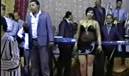 एक गर्म सेक्स पार्टी के साथ भोजपुरी हिंदी सेक्स मूवी उस रात रूसी पॉप पार्टी