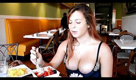 डेस्क के शीर्ष पर, सच में सेक्सी मूवी सेक्सी मूवी सेक्सी बड़ा के साथ एक सुंदर श्यामला फाड़े
