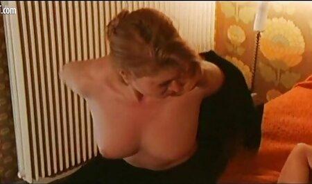युवा, काले उठता है, एक सेक्सी फिल्म फुल मूवी निविदा चुंबन के साथ और एक मजबूत व्यक्ति के एक सदस्य पर लगाया