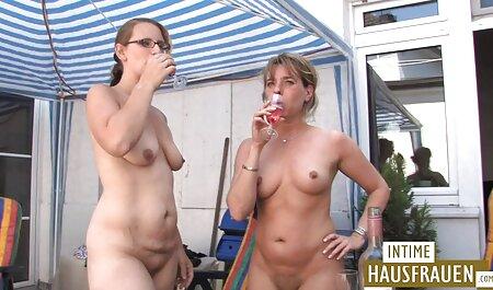 रूसी लड़की एक सदस्य के साथ हिंदी मूवी पिक्चर सेक्सी खेलते हैं ।