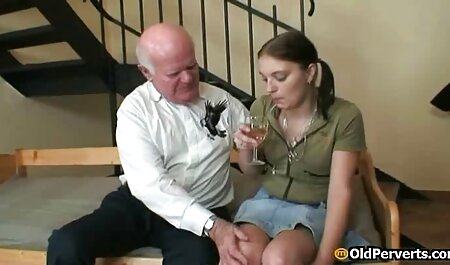 लंबे बाल रूसी कुंवारी सेक्स के लिए बिल्कुल एक्स एक्स एक्स मूवी सेक्सी तैयार