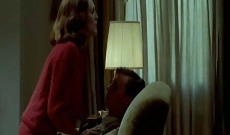 कैमरा के इंग्लिश सेक्सी मूवी वीडियो सामने हस्तमैथुन पतली औरत