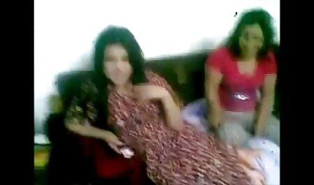 मैं कैमरे पर और लड़कियों टोपी के लिए बंद मरोड़ते एक लड़की हिंदी सेक्सी मूवी हिंदी सेक्सी मूवी दर्ज की गई ।