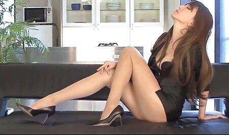 अपने बेटे के साथ संभोग सेक्सी मूवी वीडियो में सेक्सी के कुछ फार्म के साथ गर्म माँ