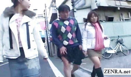 दो सनी लियॉन मूवी सेक्सी एशियाई अजीब बात है उनके दोस्तों