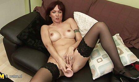 छात्र लाल छेद में लाठी सेक्सी मूवी ऑनलाइन वीडियो के साथ एक सहपाठी को छेड़ो